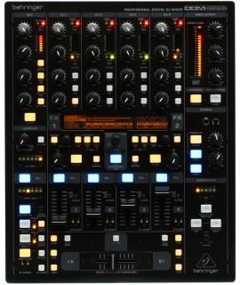Behringer DDM 4000 DJ Keverőpult